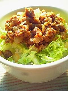 マルシンハンバーグでそぼろご飯1-2