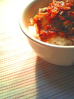 豚キムチでご飯を食べる1-1