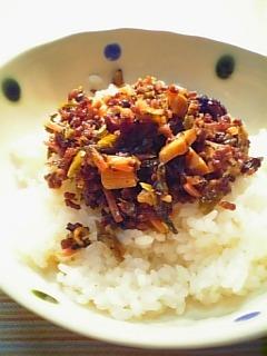 挽き肉と高菜の中華風炒めで丼1-1