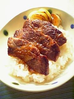 牛カルビ焼肉丼1-1