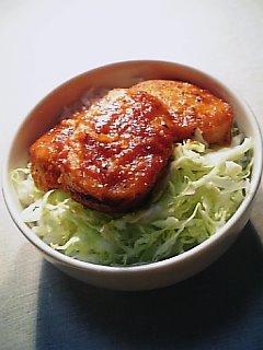 ケチャマヨ丼(魚肉ハンバーグバージョン)1-1