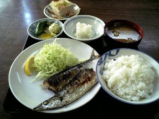 山田ホームレストラン Cサンマ定食02