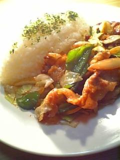 yoshida グルメソースで肉野菜炒め定食02