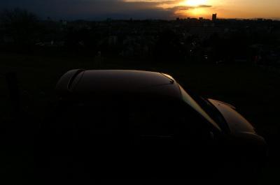 夕日に浮かぶボディライン