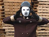 ガスマスク人間か?