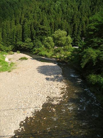奈良井川に沿って更に深く山間へ
