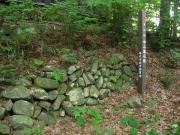諏訪神社に残る中山道の石垣