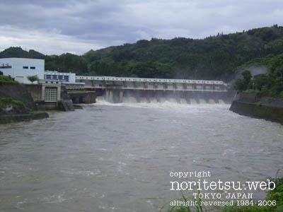 阿賀野川 ダム放水