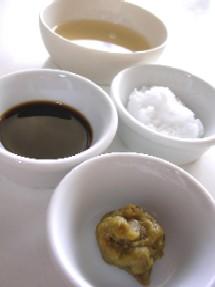 酢・しょうゆ・砂糖・ゆずこしょう<br />