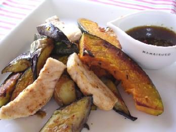 かじきまぐろと焼き野菜のサラダ仕立て