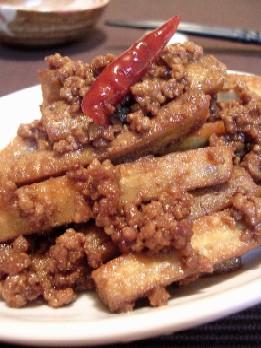 ごぼうとひき肉の甘辛味噌炒め