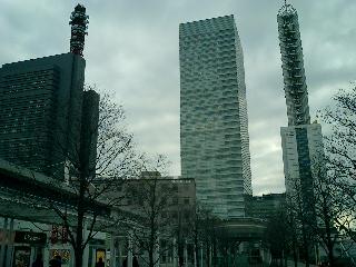 駅前高層ビル?!群・・・