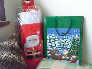 起きたらクリスマスプレゼントがマクラ元にあった。