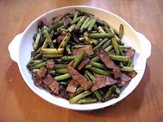 にんにくの茎とベーコンの炒め物